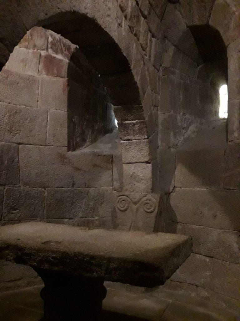 interior-monasterio-leyre
