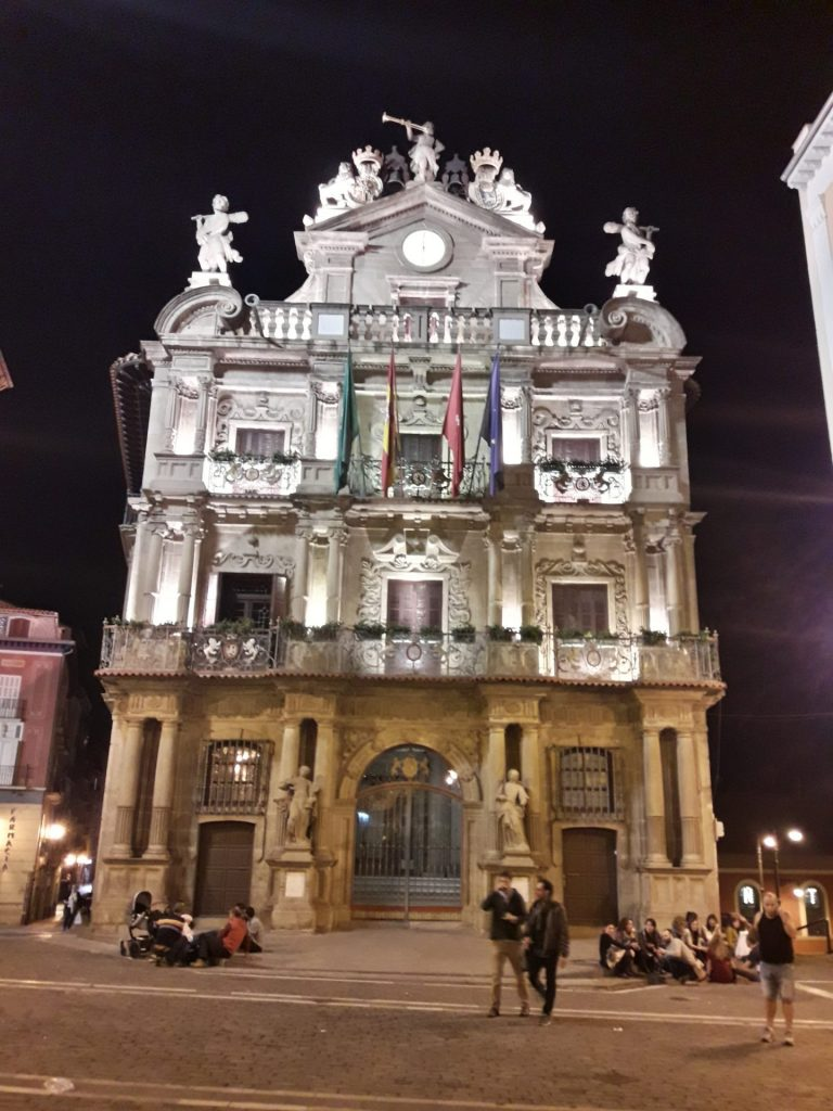 plaza-santiago-pamplona