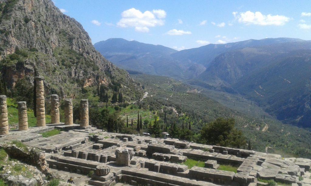 templo-apolo-grecia-central