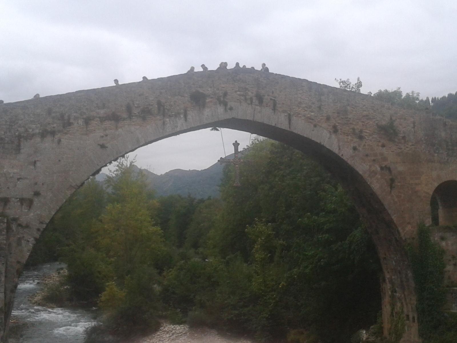 puente-romano-cangas-de-onis-y-cruz-de-la-victoria