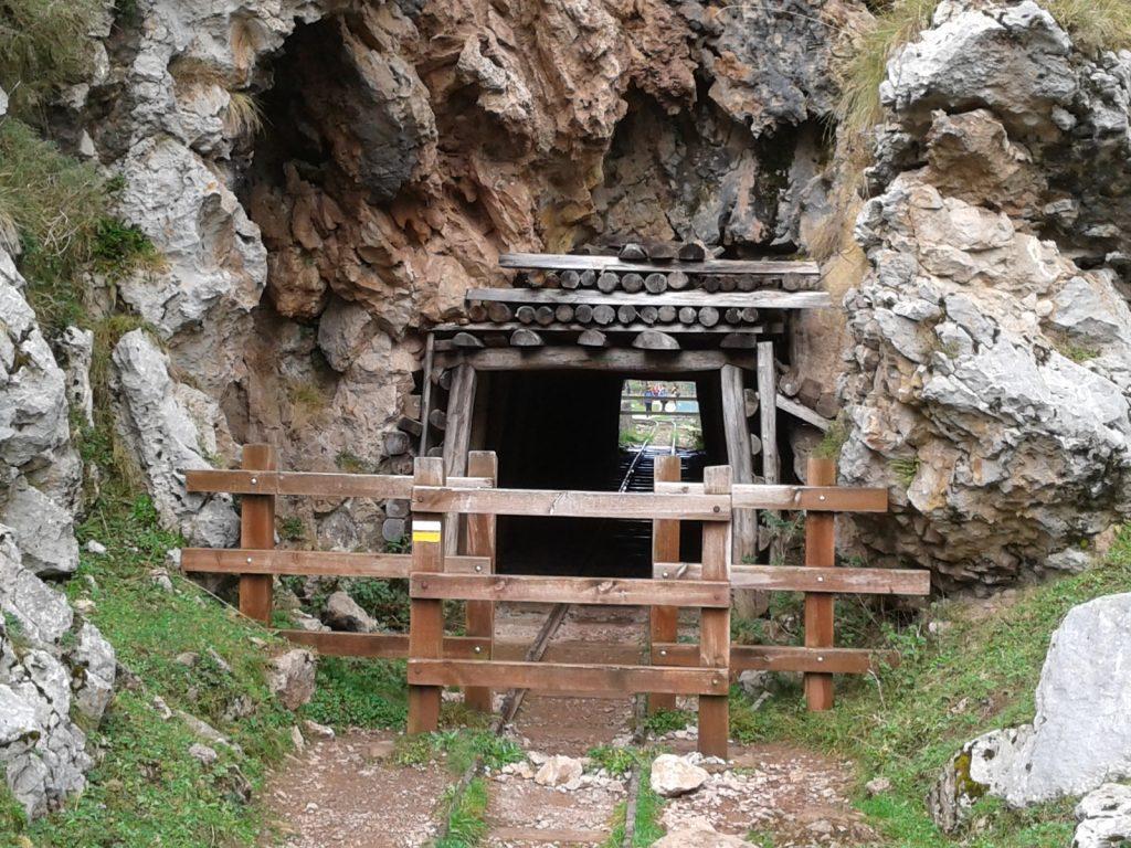 tunel-minero