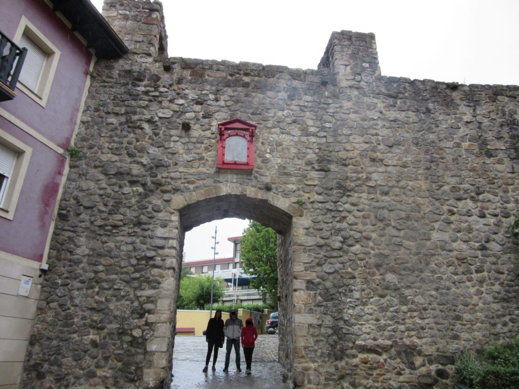 Puerta-San-Juan-Bermeo-mundaka