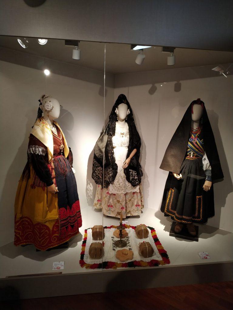 trajes-casar-de-diferentes-provincias-moron-de-almazan