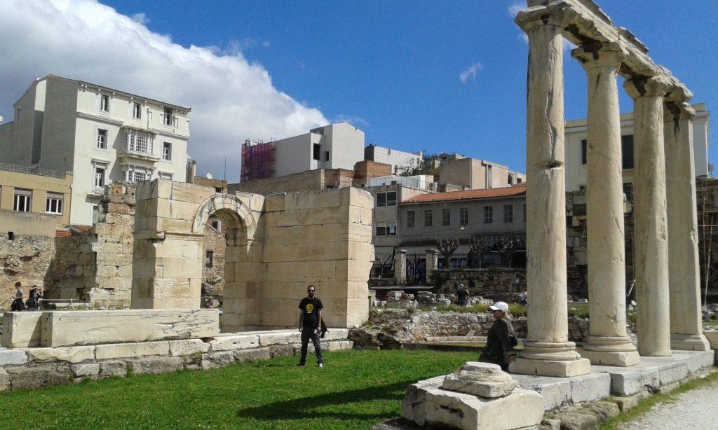 restos-agora-romana