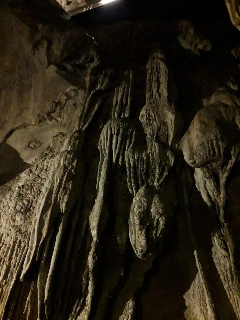 cuevas-guixa-formaciones