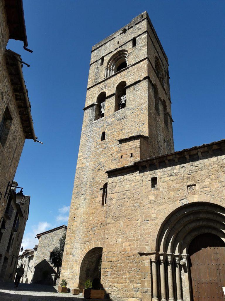 campanario-iglesia-ainsa