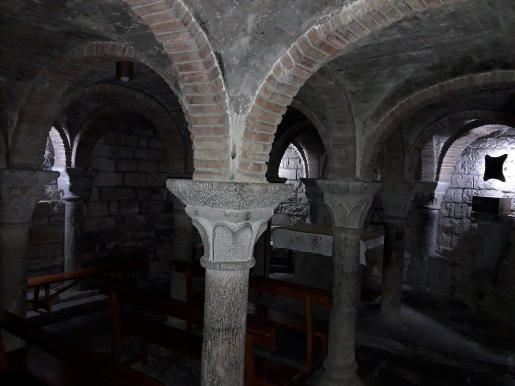 cripta-iglesia-ainsa