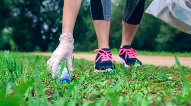 Plogging-en-que-consiste-este-deporte-ecologico